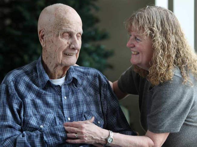 importancia-visitar-familiares-residencia-ancianos